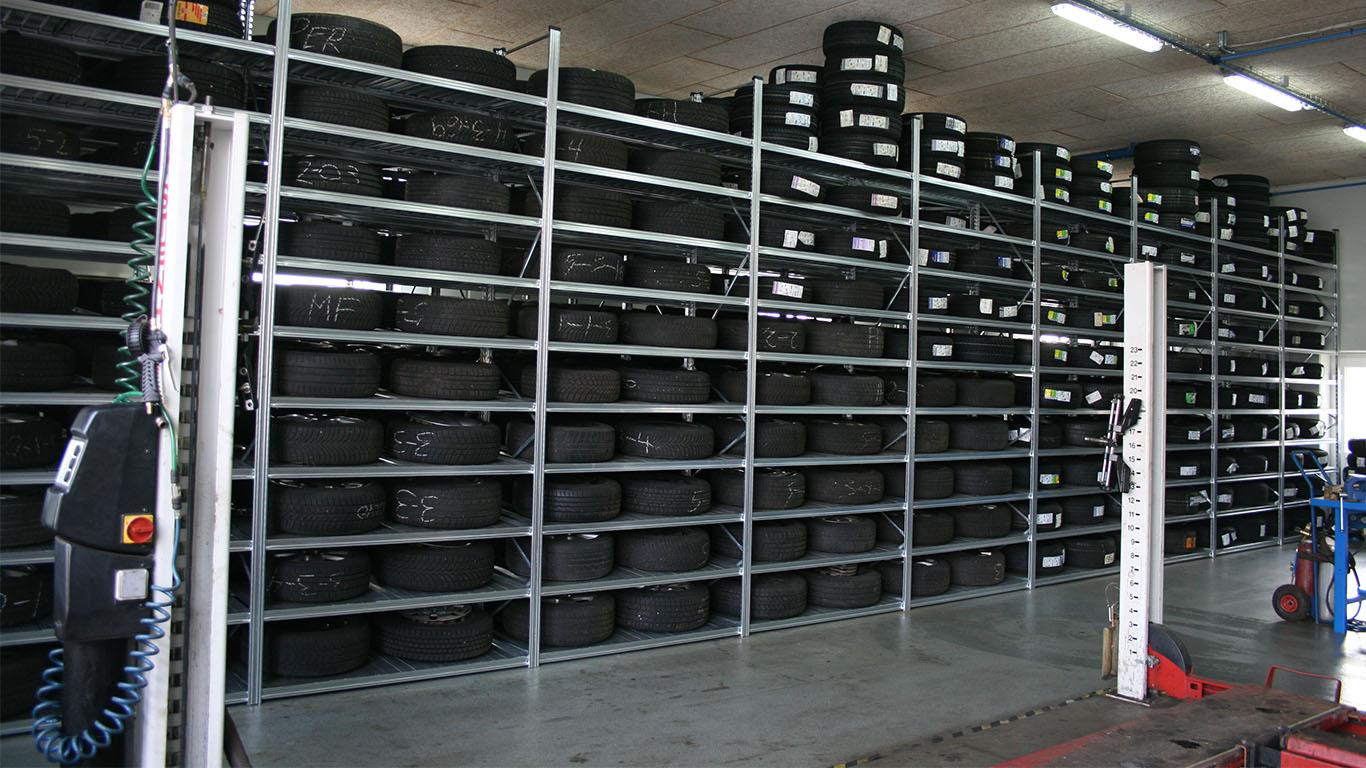Dækreoler til autoværksteder og dækfirmaer
