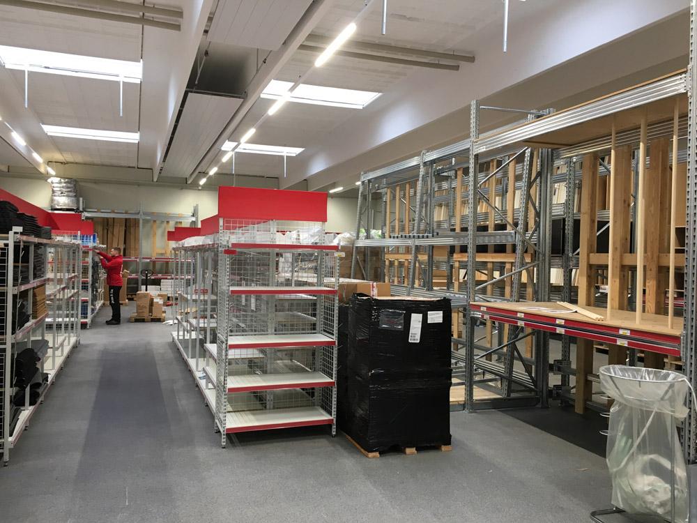 Lagerreoler og butiksinventar til jem & fix butikker fra Reoler